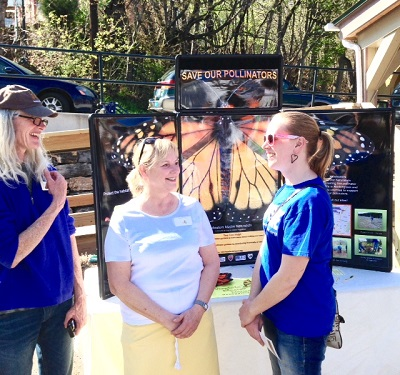 Adrie and Kathy chat with Jennifer Lewis, president of Friends of Augusta. Photo by Jerry.